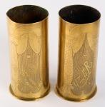 Zwei verzierte Granaten von Jozef Van Praet. Bild: Europeana 1914-1918. CC-BY-SA 3.0.